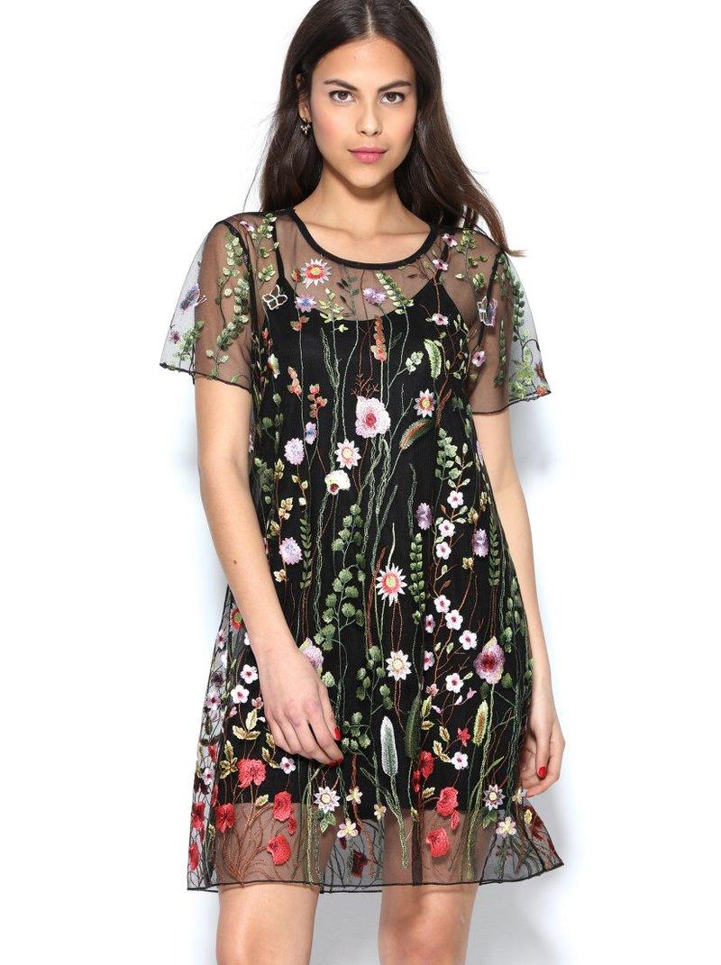 Vestido de tul bordado con flores y mariposas forro interior