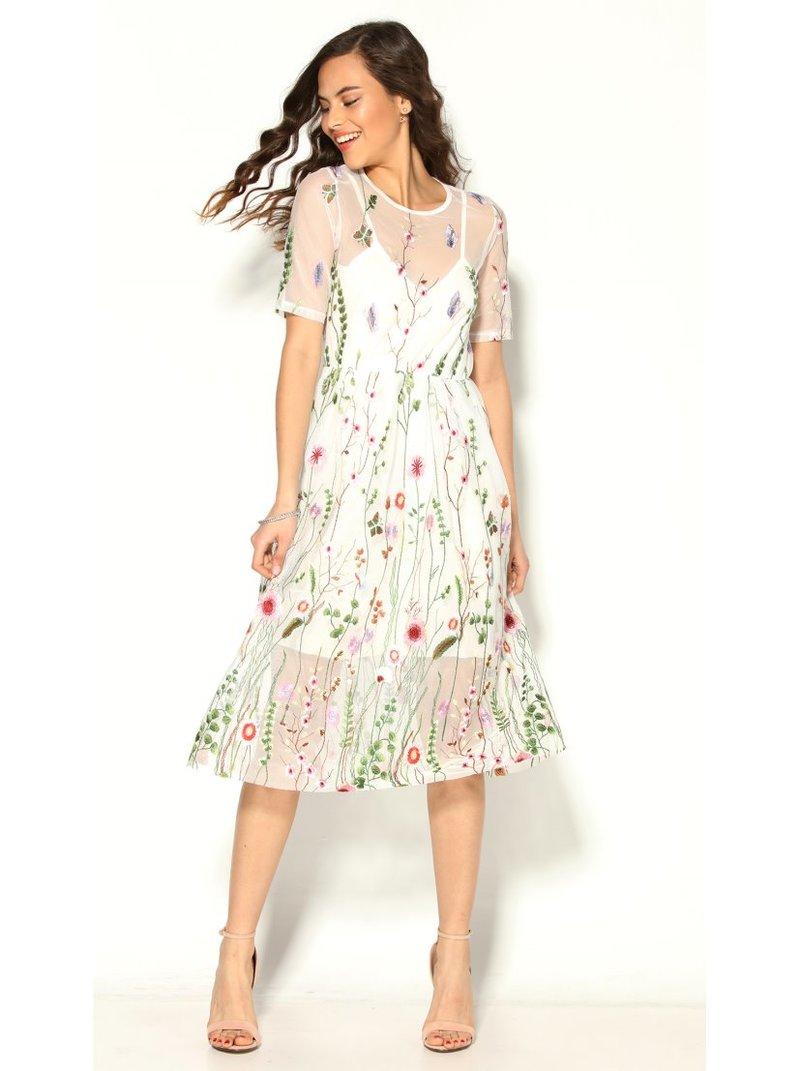 Vestido largo de tul bordado con semitransparente