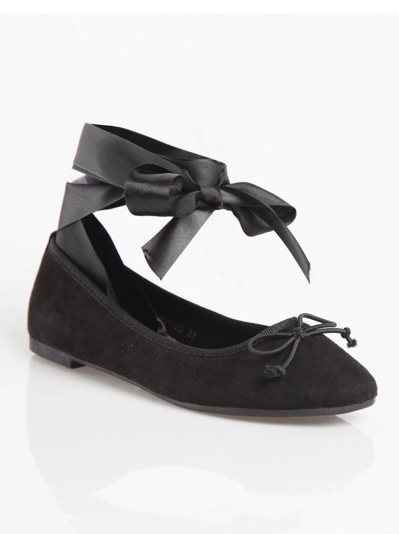 Zapatos bailarinas planos con cintas de satén