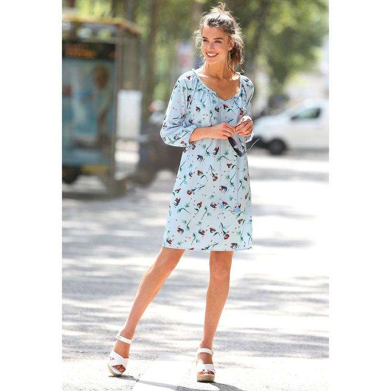Vestido túnica floral con escote caftán y encaje
