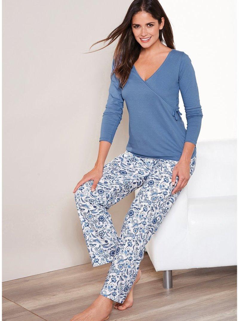 Pijama camiseta lisa y pantalón estampado mujer