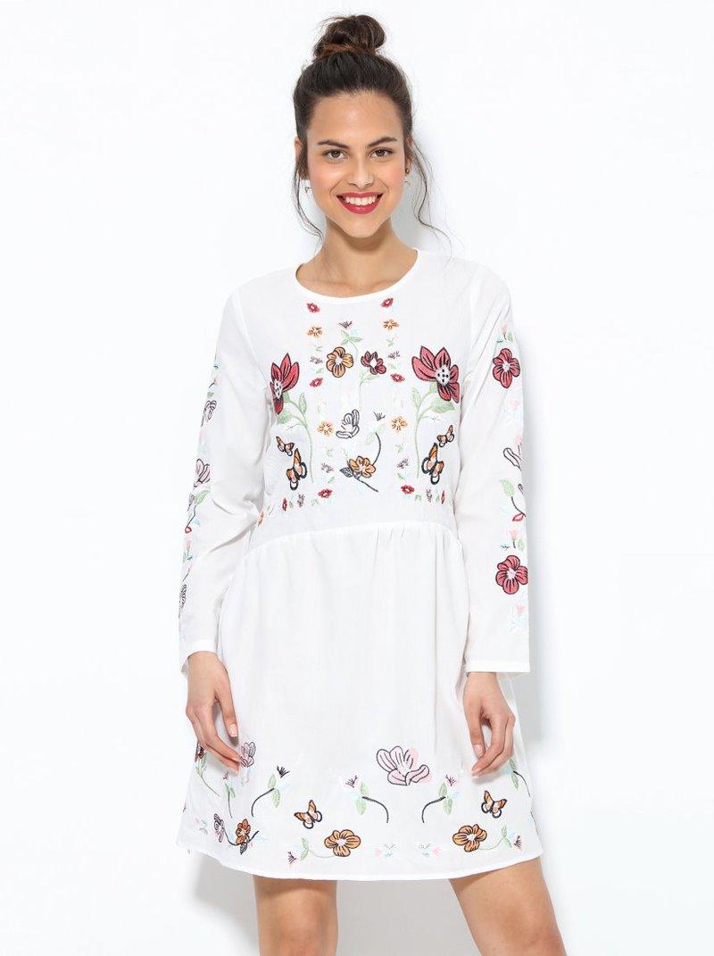 Vestido con bordado floral