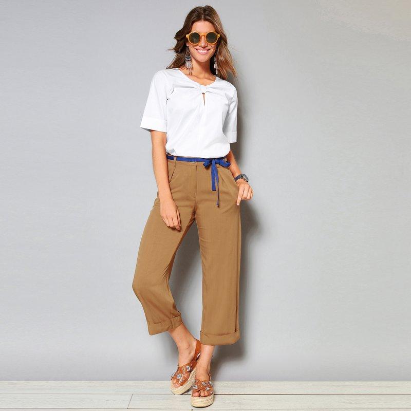 Pantalón con tablas y pinzas cinta groguen