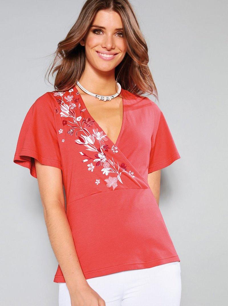 Camiseta de escote V cruzado y print flores