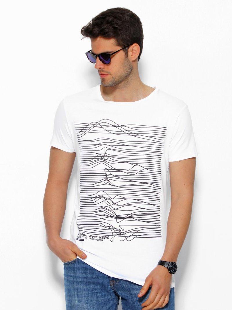 Camiseta de hombre con sinuoso estampado frontal manga corta