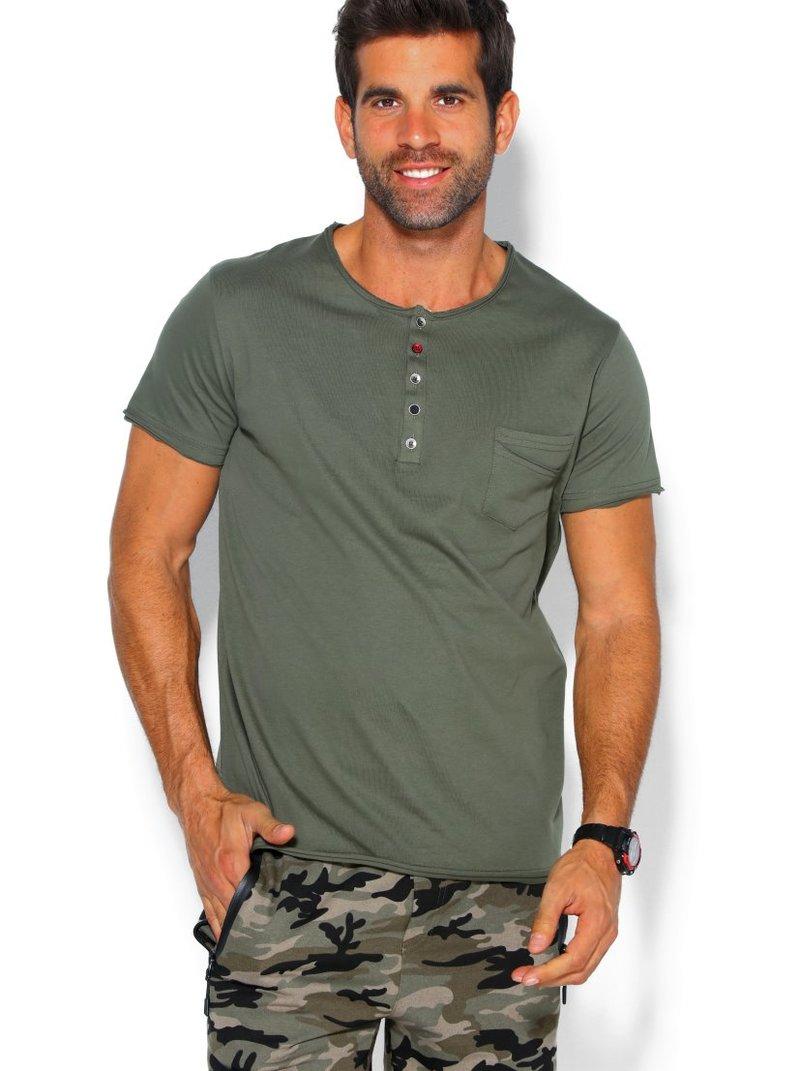 Camiseta de hombre con tapeta de botones