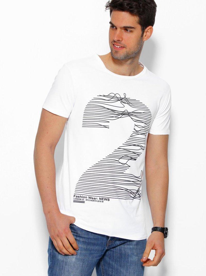 Camiseta hombre con numérico frontal manga corta