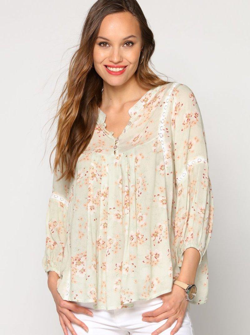 Blusa mujer de flores con entredos de puntilla