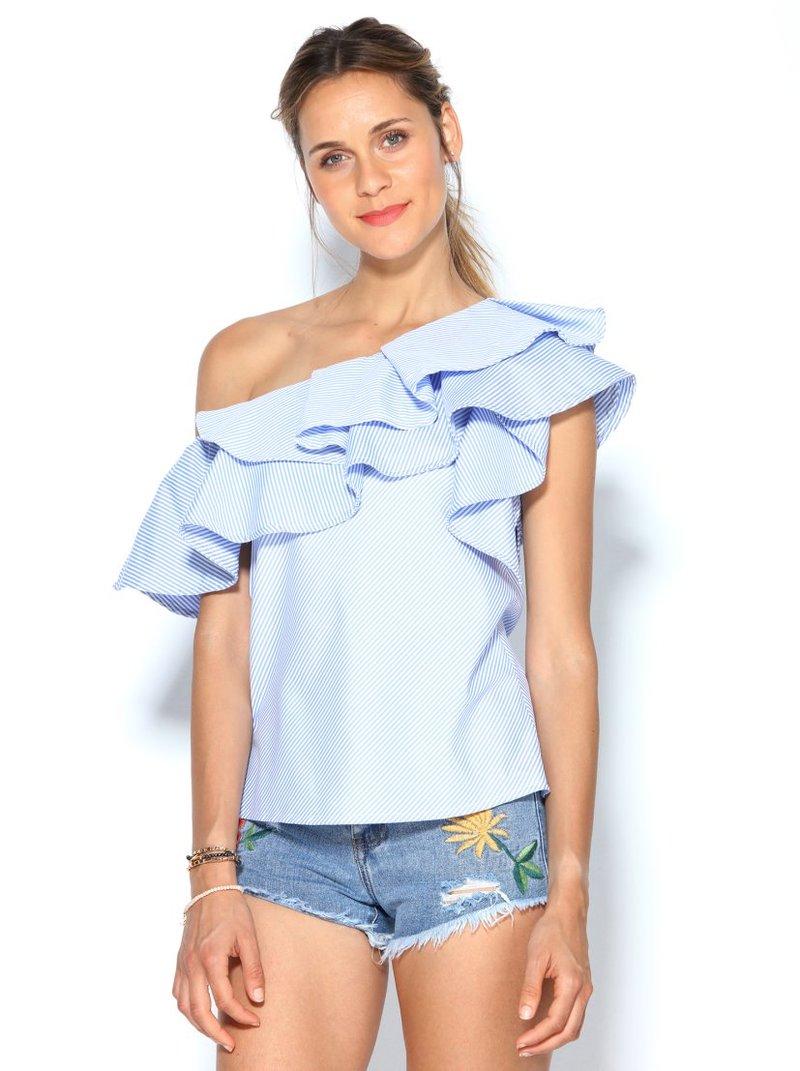 Blusa rayas con volantes manga corta en un lado y hombro al