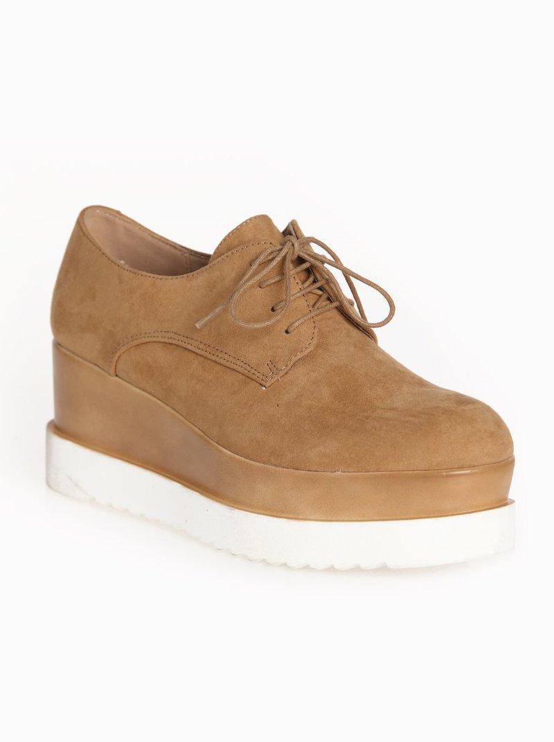 Zapatos tipo Oxford con suela bicolor