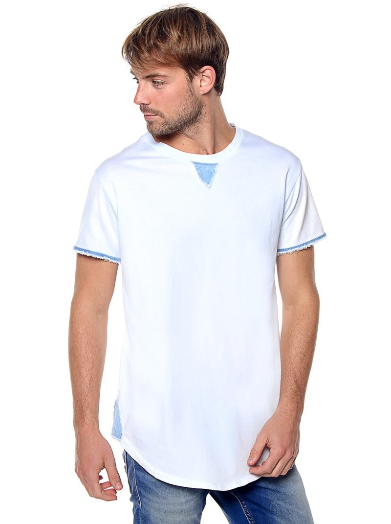 Camiseta hombre detalles vaqueros deshilachados