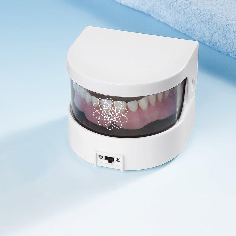 Limpiador dentaduras y prótesis dentales automático