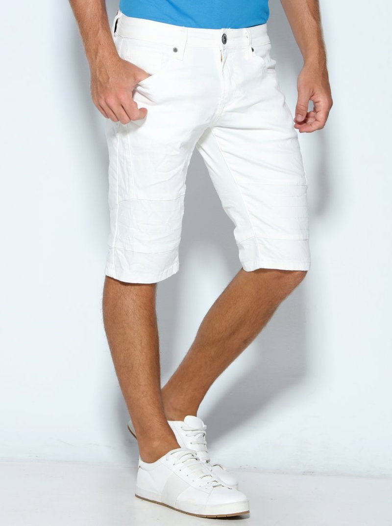Pantalón corto bermuda con pespuntes