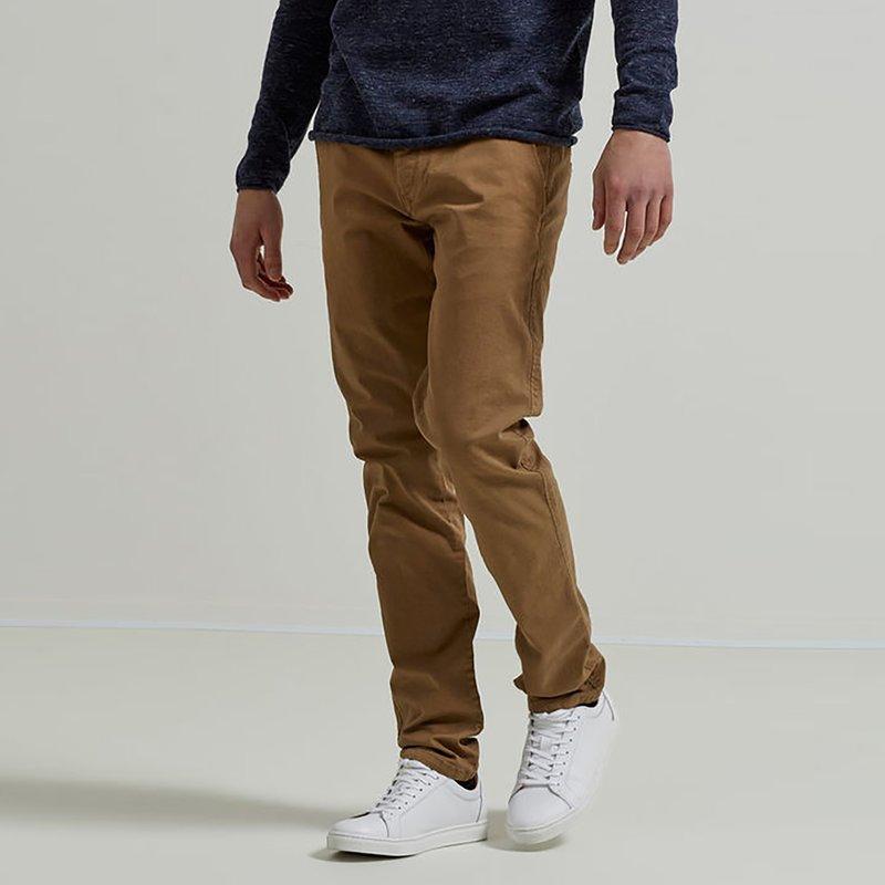 Pantalón largo tipo chino para hombre