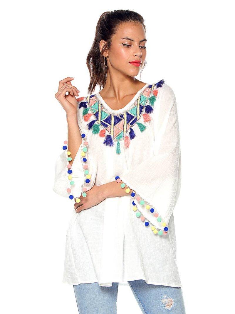 Blusa pechera multicolor con borlas y pompones