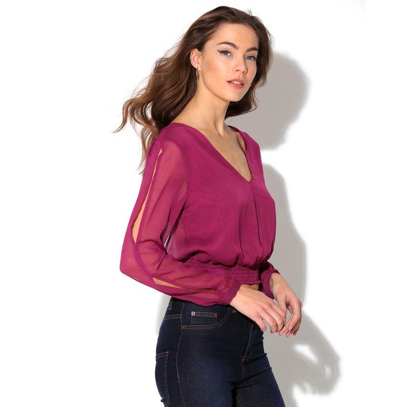 Blusa con gran escote V en la espalda de manga larga