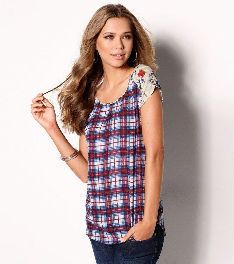 Blusa mujer manga corta patch flores y cuadros