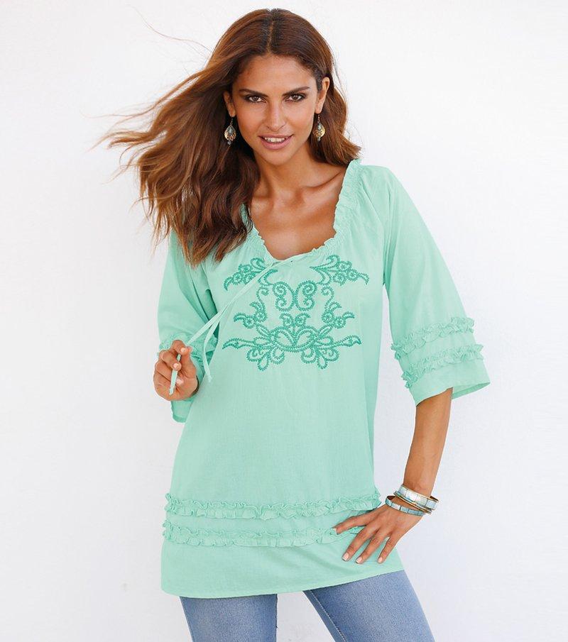Blusa mujer manga 3/4 con volantes y bordado - Verde
