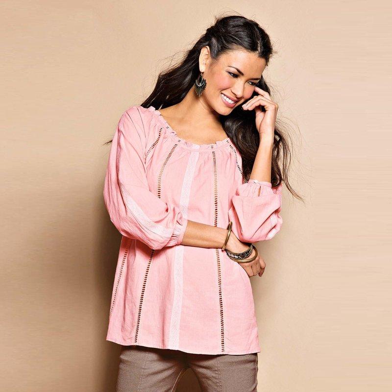 Blusa manga larga con guipur en algodón cambric