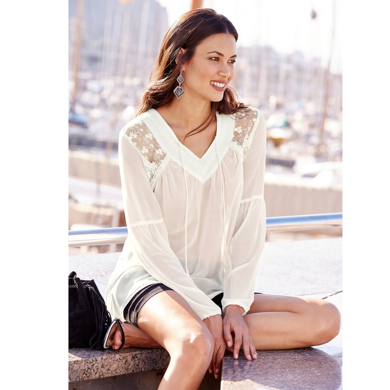 Blusa  mujer  manga larga con  puntilla y  encaje