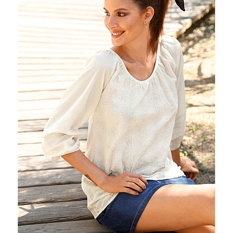 Blusa manga larga bordada de algodón cambric