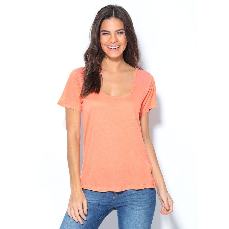 Camiseta mujer manga corta naranja con canesú satinado