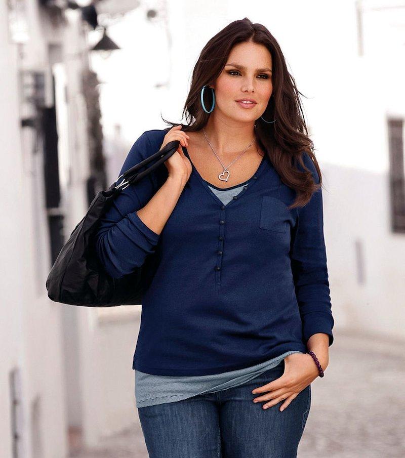 Camiseta mujer manga larga con botones y bolsillo