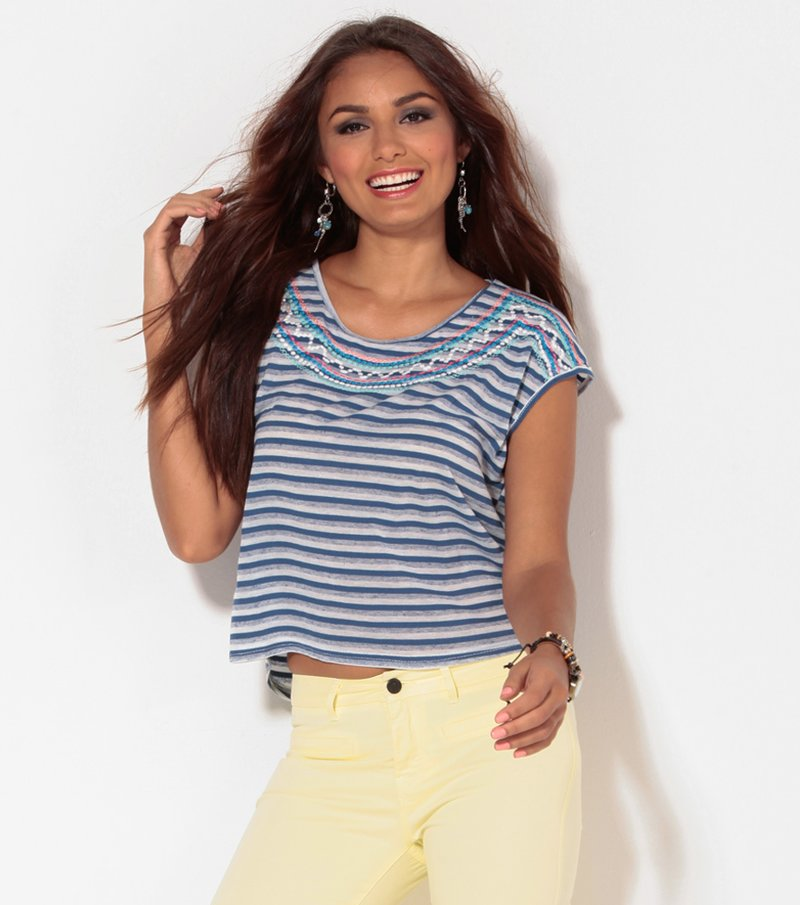 Camiseta mujer manga corta rayas con bordado azul
