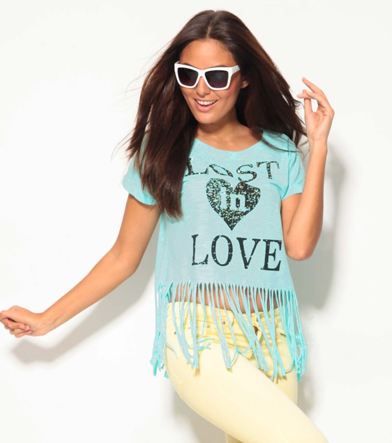 Camiseta mujer con flecos y strass estampado frontal
