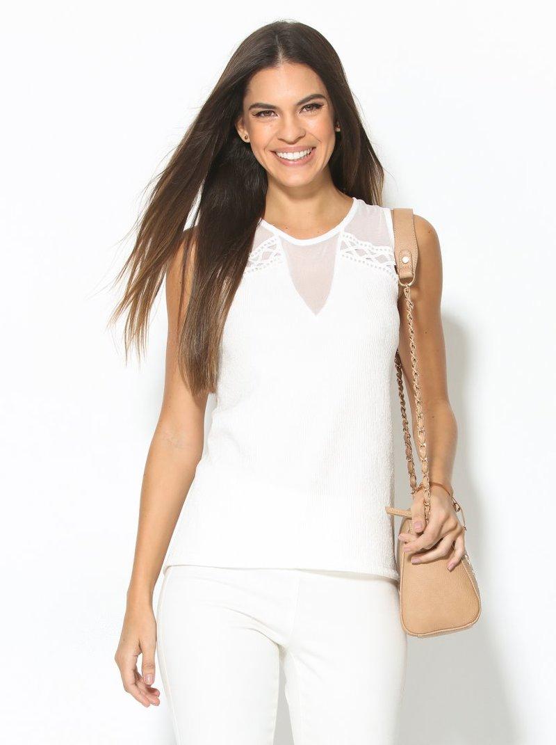 Camiseta de mujer con canesú semitransparente