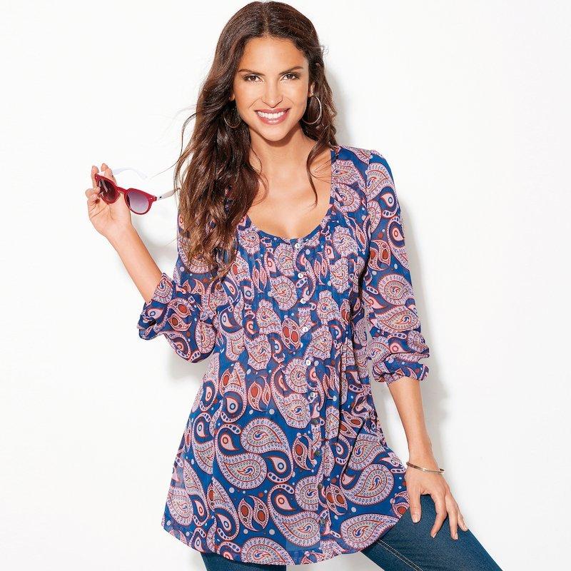 Blusa larga estampada con botones de nácar y jaretas - Rosa