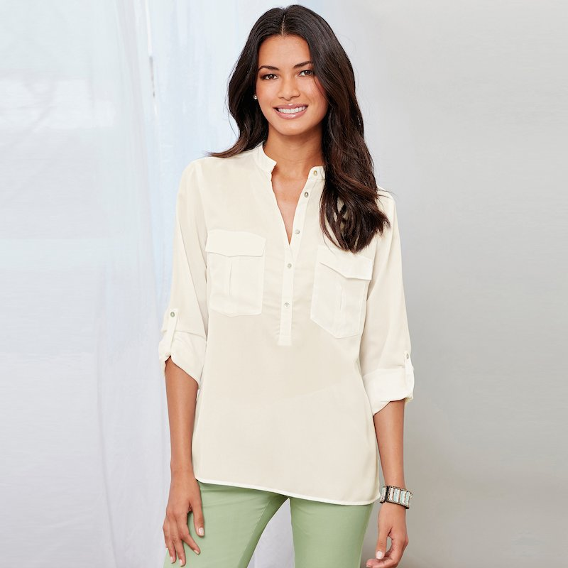 Blusa cuello mao manga larga regulable y bolsillos