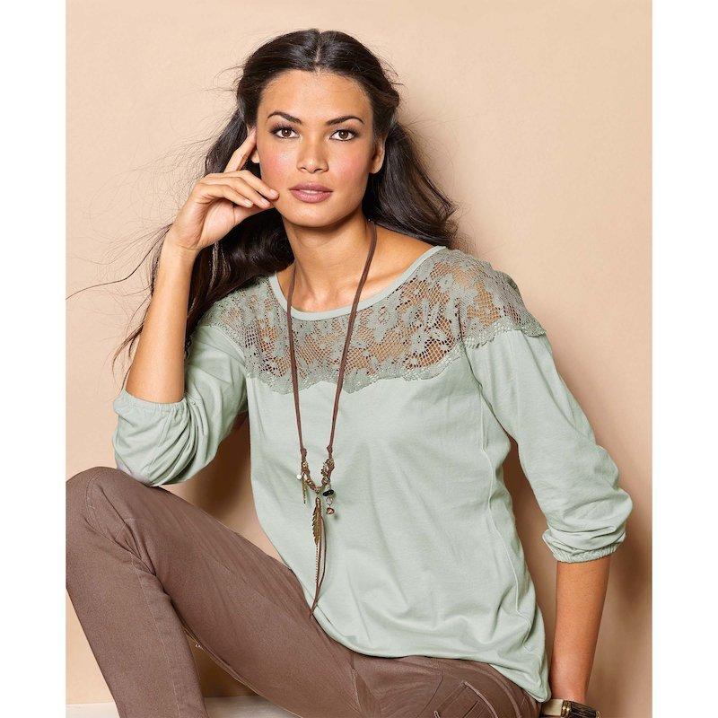 Camiseta de mujer con manga 3/4 con encaje a tono