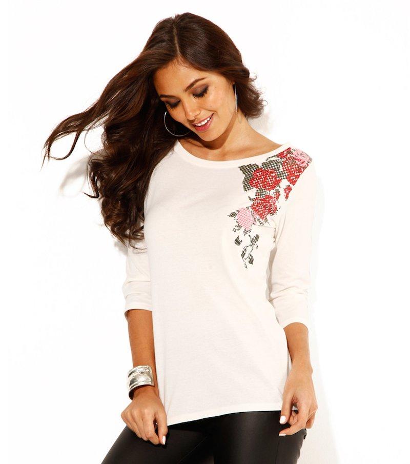 Camiseta mujer manga 3/4 estampada en hombro