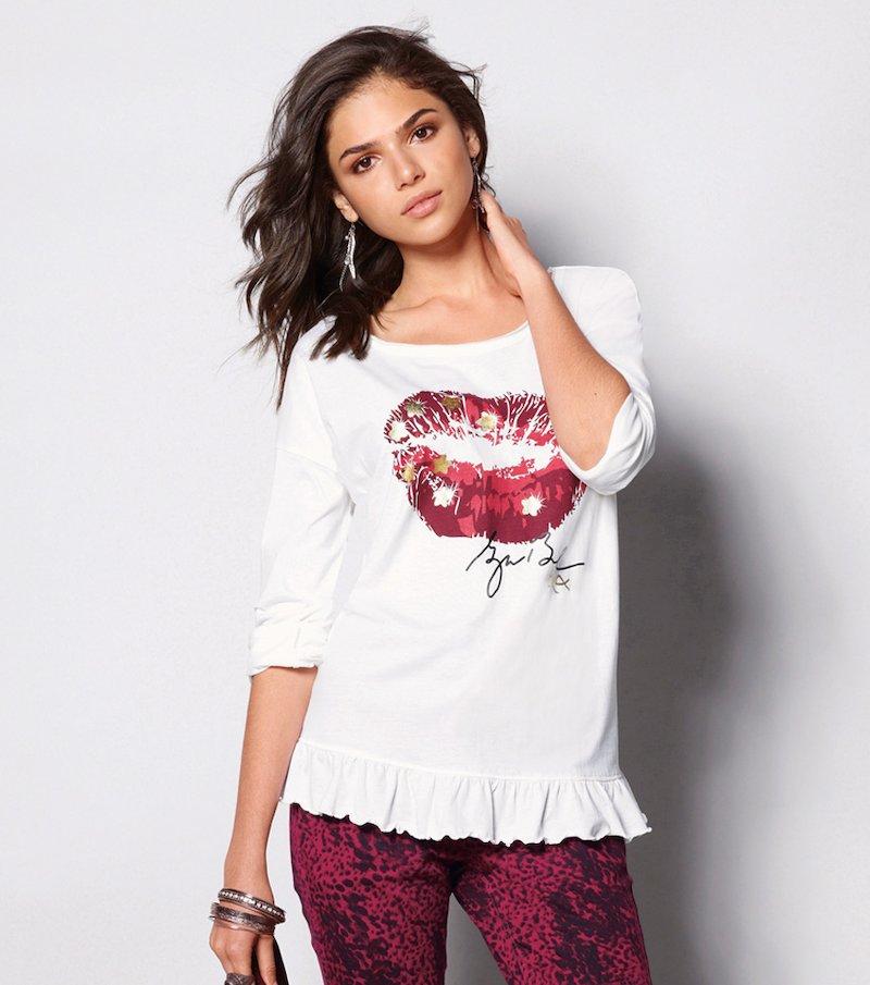 Camiseta mujer estampado labios con volante