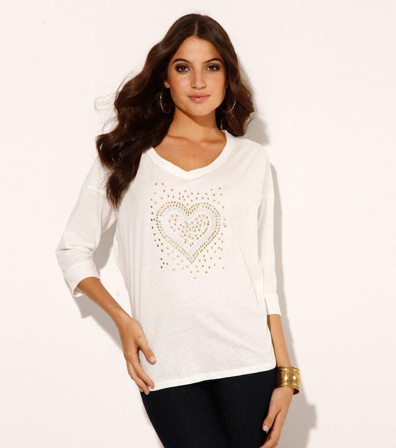 Camiseta mujer con strass y tachuelas