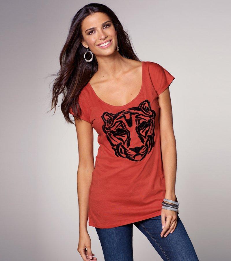 Camiseta para mujer bordada manga corta