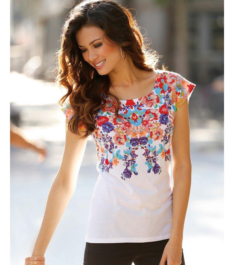 Camiseta de mujer manga corta estampada flores