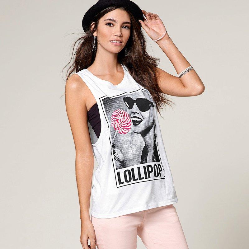 Camiseta mujer de sisa ancha estampada de algodón