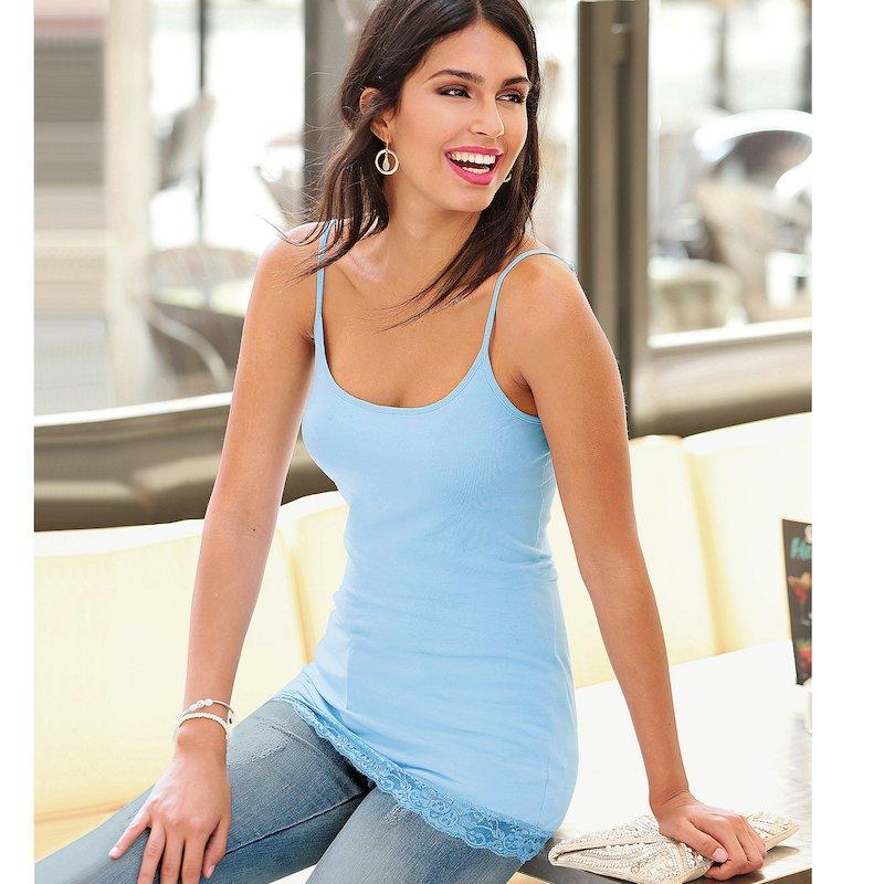 Camiseta mujer tirantes regulables y puntilla
