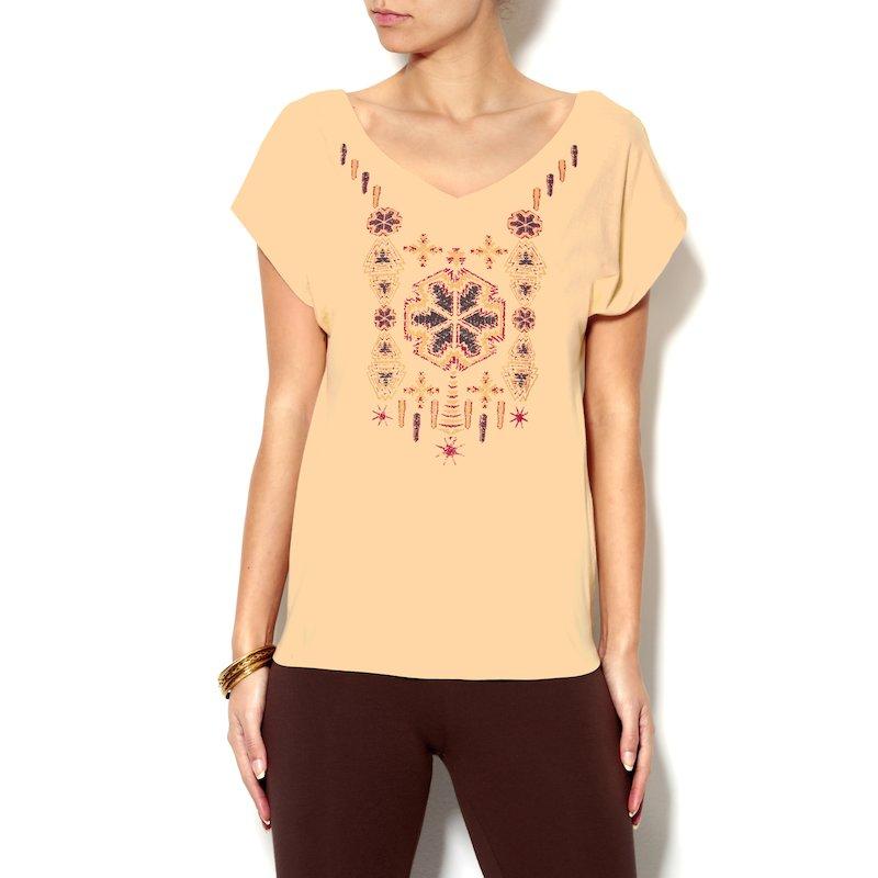 Camiseta con estampado étnico frontal de manga corta