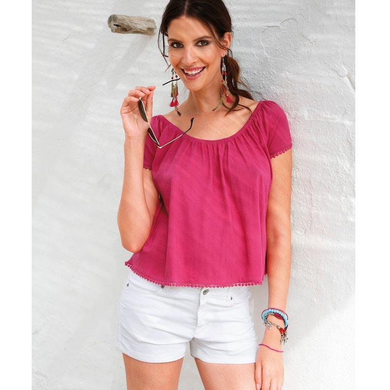 Camiseta mujer manga corta con acabados de guipur