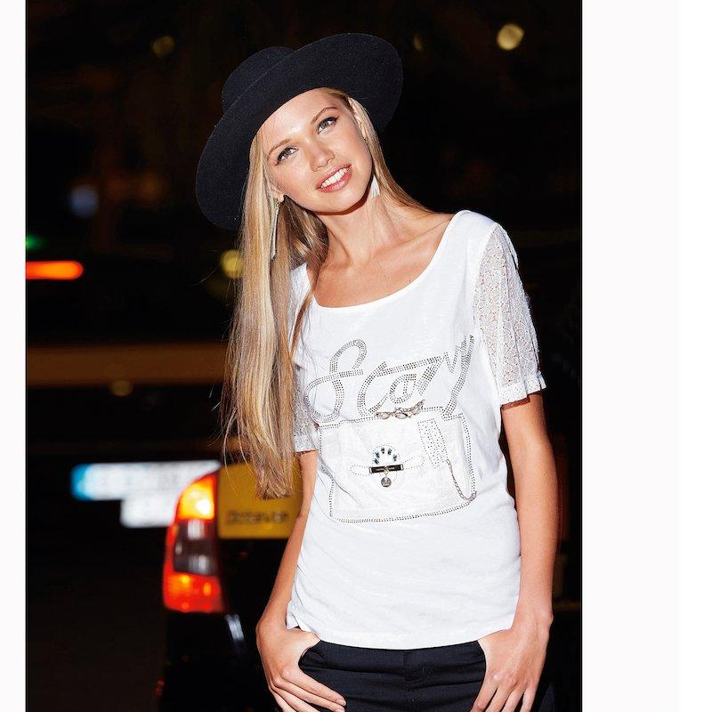Camiseta mujer con encaje y aplicaciones de strass