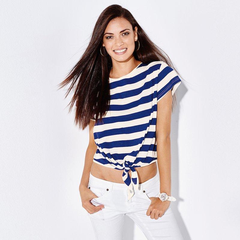 Camiseta mujer rayas marineras anudada delante
