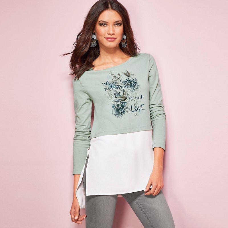 Camiseta mujer de efecto doble con print romántico