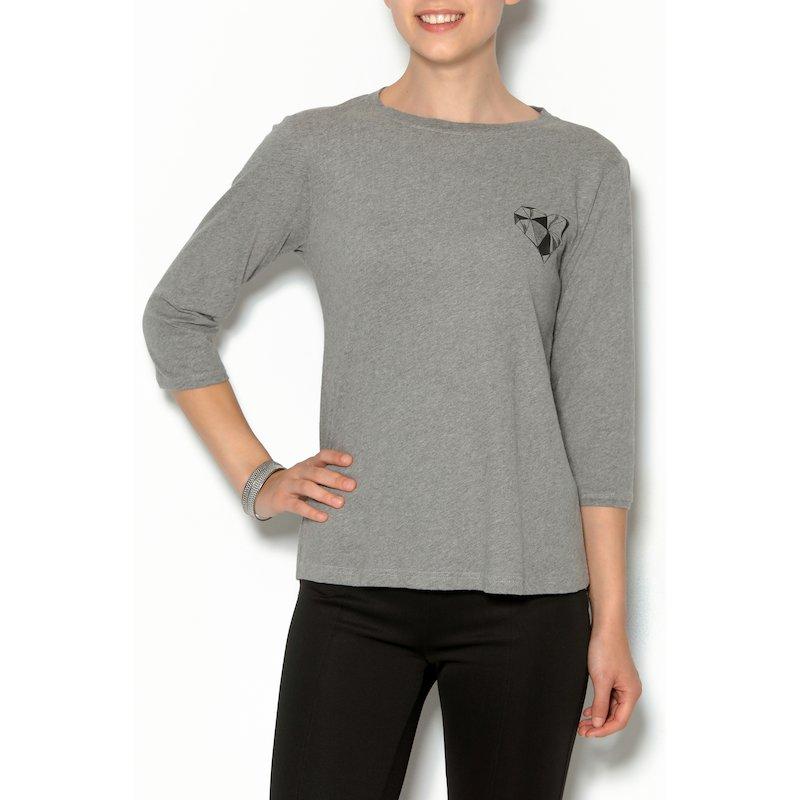 Camiseta mujer manga 3/4 con corazón frontal
