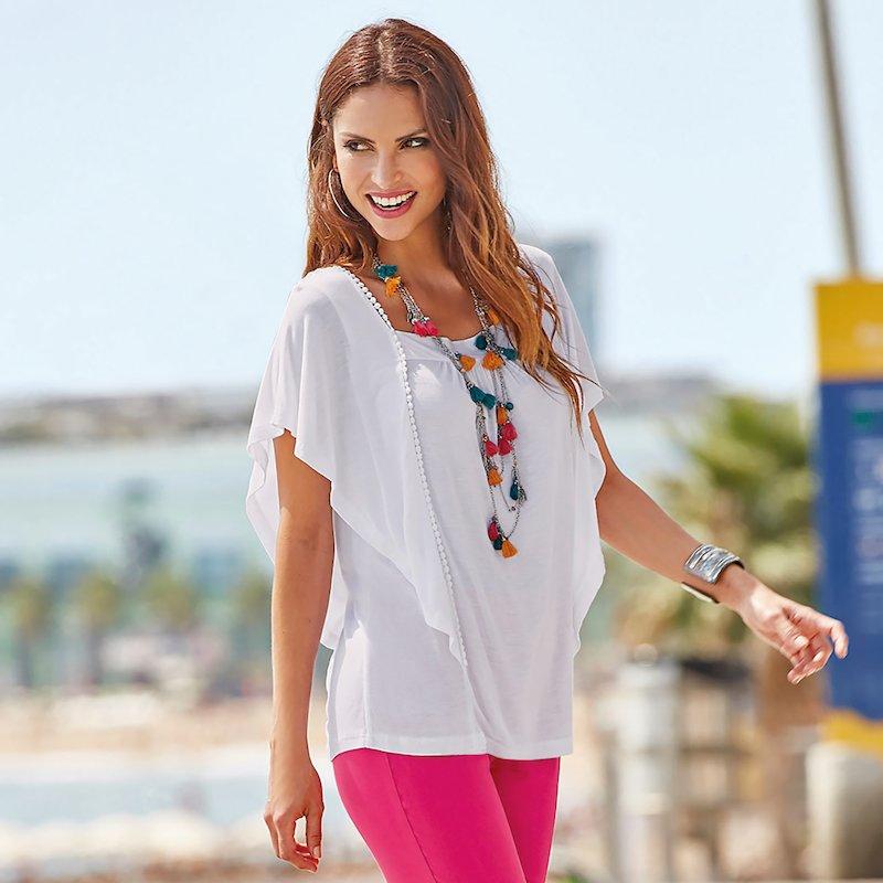 Camiseta mujer con pasamanería y volantes fruncidos