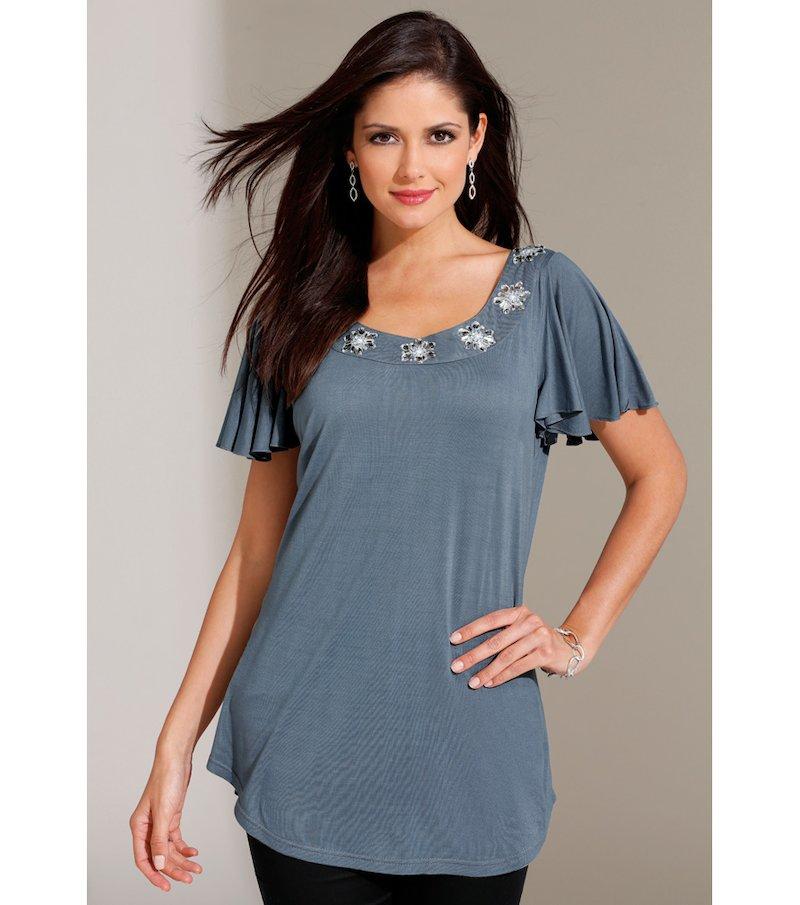 Camiseta mujer manga corta con pedrería escote