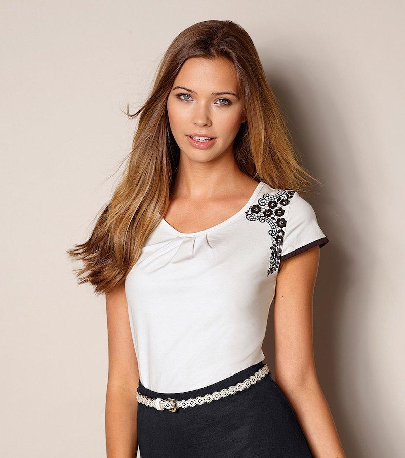 Camiseta mujer detalle símil encaje
