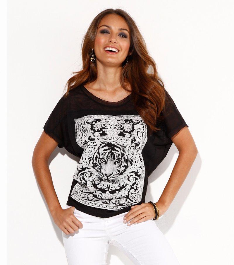 Camiseta mujer manga corta con brocado